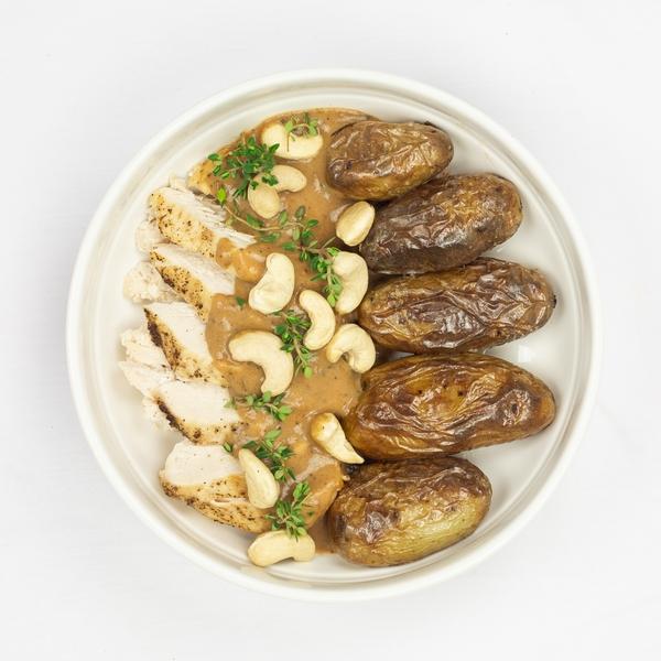Filet de poulet Cajun et noix de pécan, pomme de terre au four
