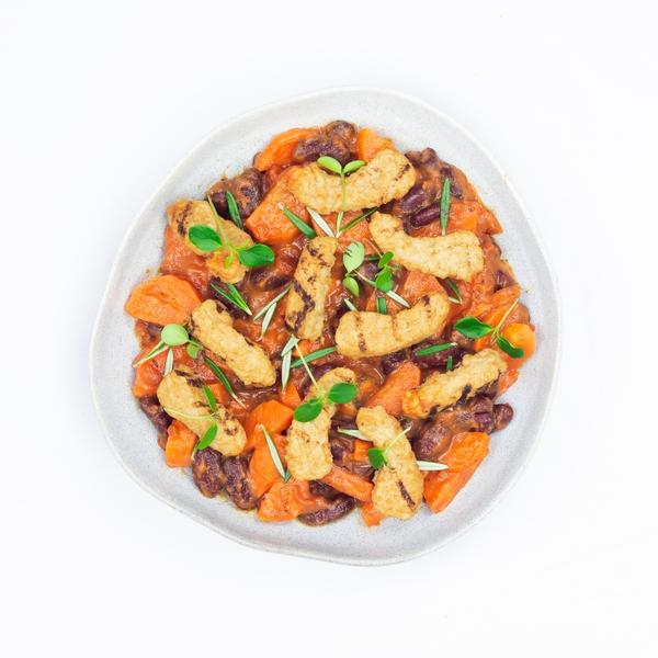Cassoulet aux carottes et lanières de tofu grillées